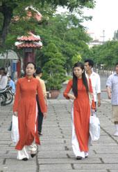 Đi lễ chùa ngày đầu Xuân. TPHCM
