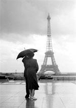 ParisCoupleRain150.jpg