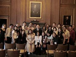 vietnamese-american-students-250.jpg