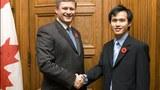 Nguyễn Tiến Trung hội kiến Thủ tướng Canada Stephen Harper