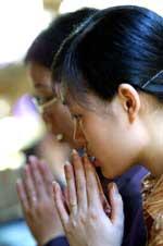 BuddhistPraying150.jpg