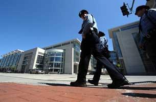 An ninh được tăng cường tại nơi diễn ra Hội nghị Thượng đỉnh về An ninh Hạt nhân 2010. Ảnh chụp tại Washington DC 10-04-2010. AFP Photo.