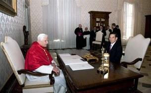 Pope-Triet-Vatican121109-305.jpg