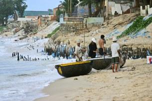Ngư dân ở dọc ven biển VN