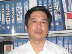 Tiến sĩ luật Cù Huy Hà Vũ tại văn phòng của mình, ảnh chụp tháng 10/2010. Hình do Ông gởi RFA.