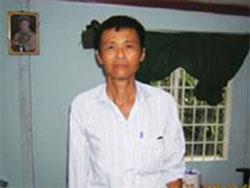 Mục sư Dương Kim Khải sau khi rời nhà tù vào năm 2006. Photo courtesy of lenduong.net.