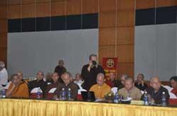 Một số Đại biểu tam dự hội thảo khoa học Phật giáo thời các vua nhà Lý diễn ra tại khu du lịch Thiên Đường, Bảo Sơn tại Hà Nội, hôm 29/07/2010. Photo courtesy of thientam.vn