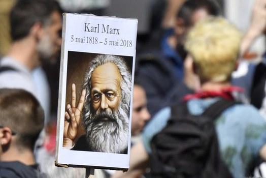 Karl Marx, người kiên định với định luật: Đấu tranh giai cấp là động lực phát triển xã hội.