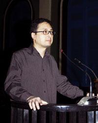 Luật sư Lê Công Định trước phiên toà ở TP.HCM hôm 20-1-2010. AFP PHOTO