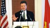 Nghị sĩ Hoa Kỳ James Webb họp báo tại Hà Nội