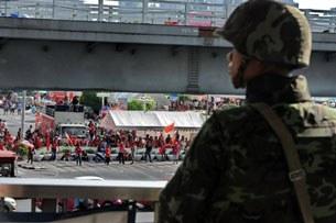Hàng trăm binh sĩ Thái đã được điều động vào Bangkok nơi lực lượng Áo đỏ tập trung