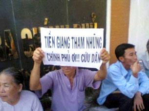 Người dân Tiền Giang lên Hà Nội khiếu nại oan ức.
