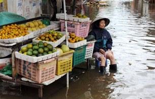 Hanoi-flood-street-305.jpg