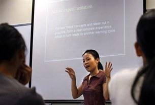 rmit-student-giving-presentation-305.jpg