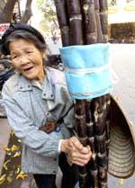 OldwomanSugar150.jpg