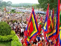 Lễ giỗ Tổ Hùng Vương - Lễ hội Đền Hùng năm 2010, tại tỉnh Phú Thọ. Photo courtesy of sinhviennonglam.com