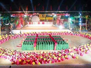 Lễ giỗ Tổ Hùng Vương - Lễ hội Đền Hùng năm 2010, tại tỉnh Phú Thọ.