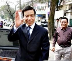 Sau đó ông Nguyễn Việt Tiến được tuyên bố trắng án, nhiều nhà báo phanh phui vụ tham nhũng PMU18 lại bị bắt giam, khởi tố... phản ảnh sự thao túng của quyền lực trong xã hội Việt Nam.