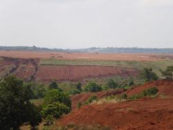 Khai thác bô-xít ở Nhân Cơ - Đắc Nông. Photo courtesy of BlogAnhBaSG.