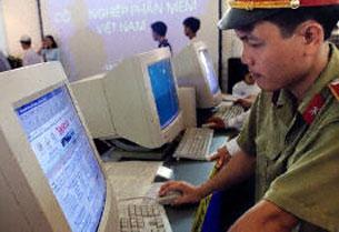 Việt Nam tăng cường kiểm soát các cửa hàng Internet đang hoạt động trong nước.