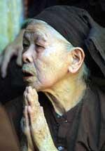 ReligiousPraying150.jpg