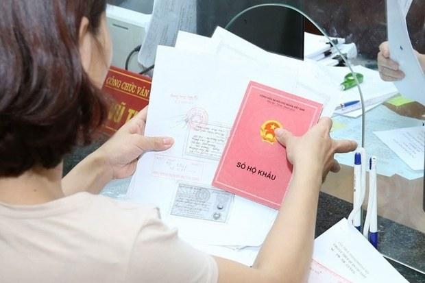 Bỏ hộ khẩu giấy: sẽ văn minh hơn trong quản lý dân?