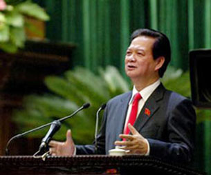 Thủ tướng Nguyễn Tấn Dũng tại phiên chất vấn của Quốc hội sáng 25/11. Courtesy chinhphu.vn