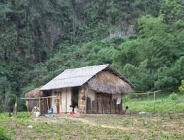 Nhà dân ở Ngọc Lặc, Thanh Hóa. RFA