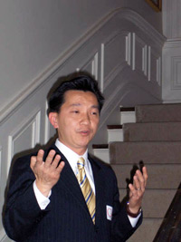 Tân Dân biểu Cao Quang Ánh.  Photo courtesy of Josephcaoforcongress.com