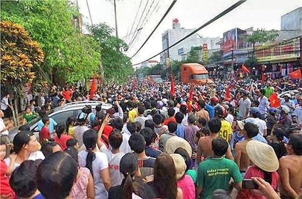 Hàng ngàn người tuần hành biểu tình chống Trung quốc ở Bình Dương hồi tháng 5 vừa qua