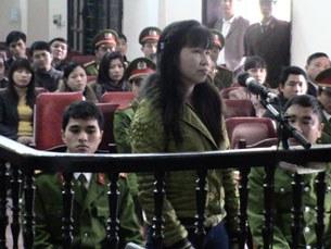 Chị Hồ Thị Bích Khương tại Tòa án Nhân dân tỉnh Nghệ An- Phiên tòa đã kết thúc với kết quả là 5 năm tù giam và 3 năm quản chế cho chị. Ngày 29 tháng 12, 2011