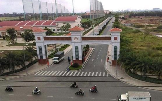 Cổng vào sân golf Tân Sơn Nhất.