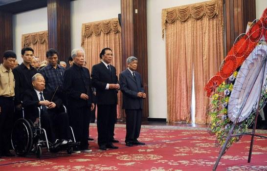 Hình minh họa. Các lãnh đạo cao cấp của Việt Nam dự lễ tang cố Thủ tướng Võ Văn Kiệt ở thành phố Hồ Chí Minh hôm 14/6/2008