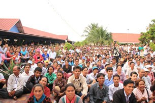 Dân chúng và các tổ chức ngoài chính phủ tham dự Hội thảo thường dân ASEAN tại thủ đô Phnom Penh, ngày 13-16/11/2012