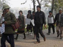 Một cuộc biểu tình của các nông dân tại Hà Nội ngày 21/02/2012 phản đối chính quyền trưng thu đất.