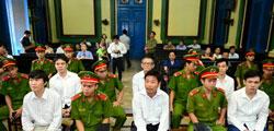 Hoàng Khương tại phiên sơ thẩm hôm 06/9/2012. Photo courtesy of news.go.vn