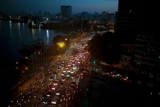 Hình minh họa. Giao thông ở thành phố Hồ Chí Minh vào giờ cao điểm buổi chiều