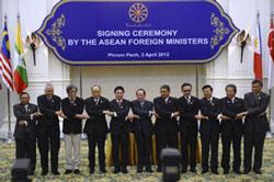 Các nhà lãnh đạo ASEAN tại Hội nghị cấp cao ASEAN lần 20, ngày 3/4/2012. AFP