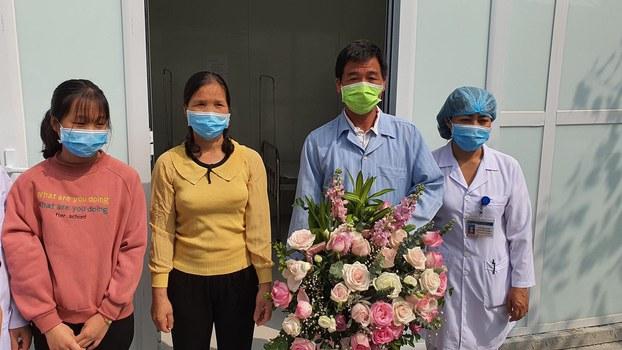 Bệnh nhân thứ 16 được điều trị khỏi COVID-19 xuất viện vào sáng ngày 26/2/2020.