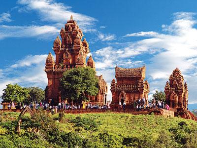 Cụm tháp Po Klong Garai của người chăm xây dựng vào thế kỷ thứ 13
