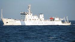 Tàu hải giám số 84 đã trực tiếp cắt cáp của tàu  Bình Minh 02. Photo courtesy of HDVietnam.