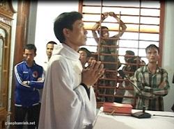 Linh mục Nguyễn Đình Thục tiến hành lễ hôm 24 tháng 6, 2012- photo giaophanvinh.net