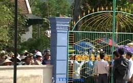 Nhà cầm quyền tổ chức bao vây Giáo điểm, Nhà nguyện Con Cuông hôm 13/11/2011. TTXVA