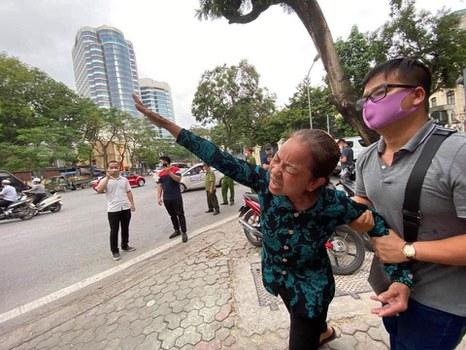 Mẹ của tử tù Hồ Duy Hải, bà Nguyễn Thị Loan phản đối kết quả phiên giám đốc thẩm tuyên tử hình con trai bà ngày 8/5/2020.