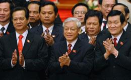 (Từ trái hàng đầu) Thủ tướng Nguyễn Tấn Dũng, ông Nguyễn Phú Trọng tổng bí thư và Chủ tịch nước Trương Tấn Sang. AFP