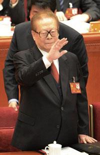 Cựu Chủ tịch Trung Quốc Giang Trạch Dân tại lễ khai mạc Đại hội ĐCS Trung Quốc lần thứ 18 tại Đại lễ đường Nhân dân ở Bắc Kinh hôm 08/11/2012. AFP photo