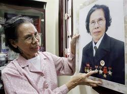 Bà Lê Hiền Đức, người đã được tổ chức Minh bạch quốc tế trao giải liêm chính năm 2007. AFP