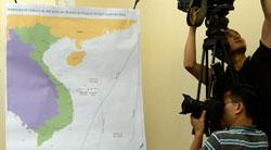 Bản đồ hiển thị vị trí giàn khoan HD 981 của Trung Quốc trong vùng biển tranh chấp ở Biển Đông được trưng bày tại Bộ Ngoại Giao Việt Nam hôm 05/6/2014. AFP photo