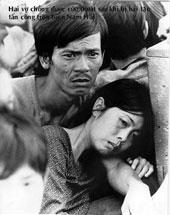 Hai vợ chồng được cứu thoát sau khi bị hải tặc tấn công trên Biển Nam Hải. RFA file