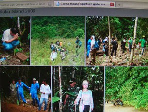 Một nhóm người Việt trở lại các trại tị nạn Letung và Kuku, Indonesia để tìm  mộ của người thân
